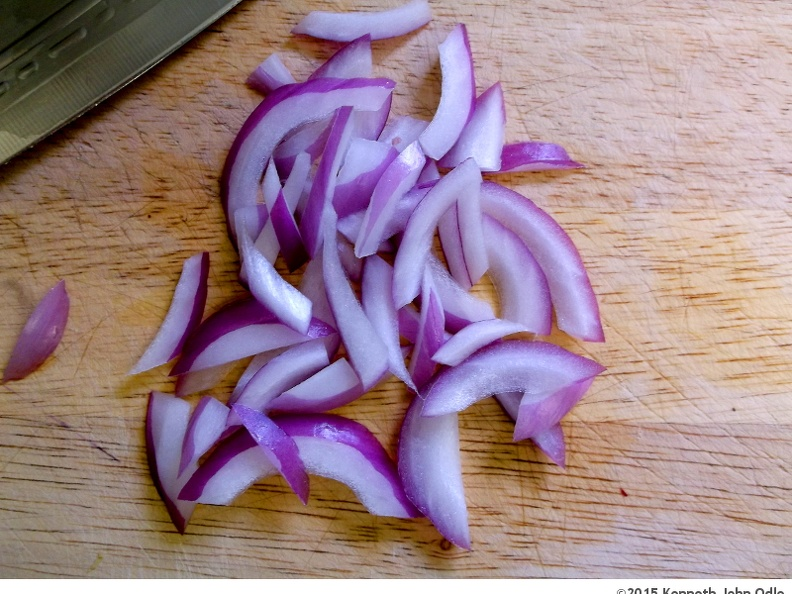 Sliced Red Onion with Blade
