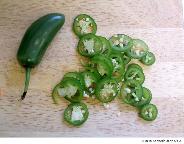jalapeno-slices-001.jpg